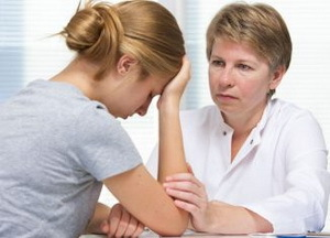 Какой врач лечит остеохондроз позвоночника у взрослых и детей