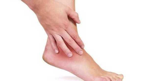 Шишка на ноге после ушиба - как лечить, если долго не проходит