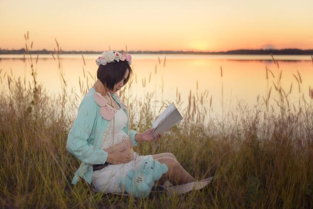 Болит копчик при беременности на ранних и поздних сроках - причины