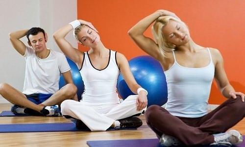 Упражнения при артрозе плечевого сустава - правила выполнения