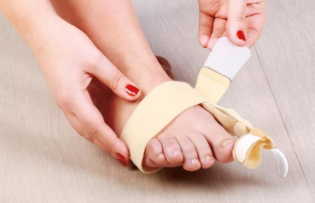 Вывих пальца на ноге - как вправить, симптомы и лечение