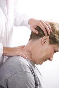Симптомы шейного остеохондроза у женщин и лечение