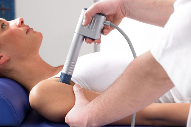 Ушиб плеча - как снять боль? Симптомы и лечение