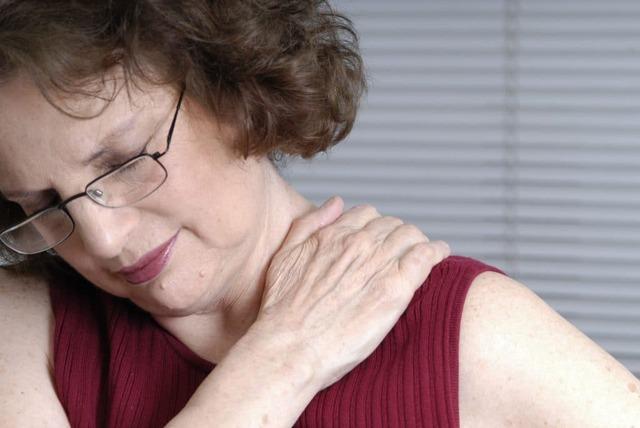 Могут ли болеть суставы при климаксе и почему? Лечение
