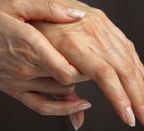 Болят суставы пальцев рук - причины и лечение