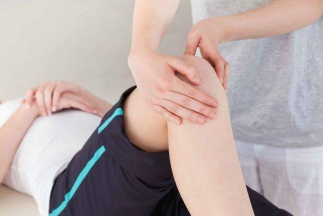 Чем снять отек колена при артрозе в домашних условиях