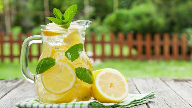 Как вывести мочевую кислоту из организма при подагре