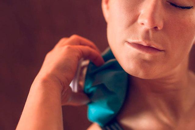 Можно ли греть шею при шейном остеохондрозе