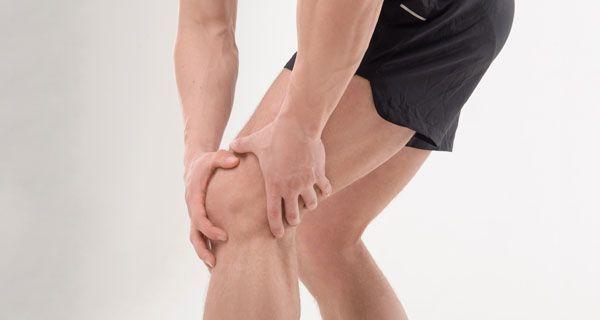 Болят колени после родов при приседании и вставании - причины