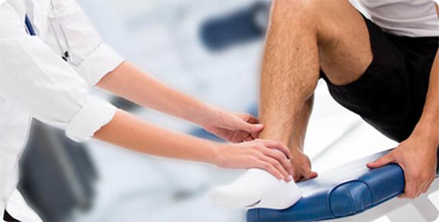Перелом стопы - симптомы, лечение и сколько ходить в гипсе