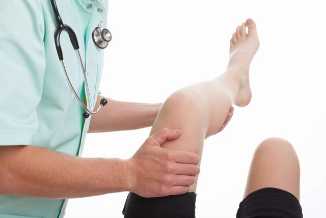 Повреждение мениска коленного сустава - симптомы и лечение