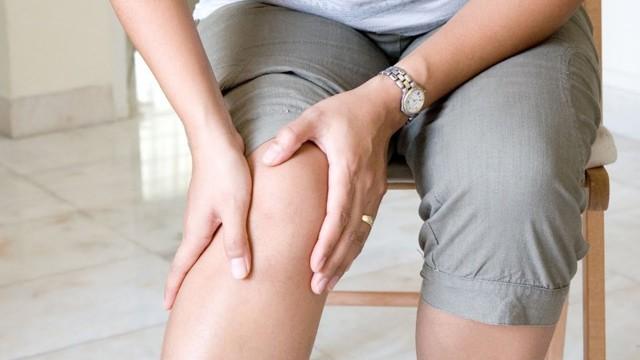 Хруст в коленях при сгибании и разгибании - что делать и как лечить