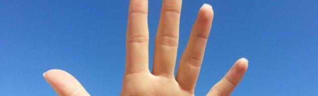 Вредно ли хрустеть пальцами на руках или полезно