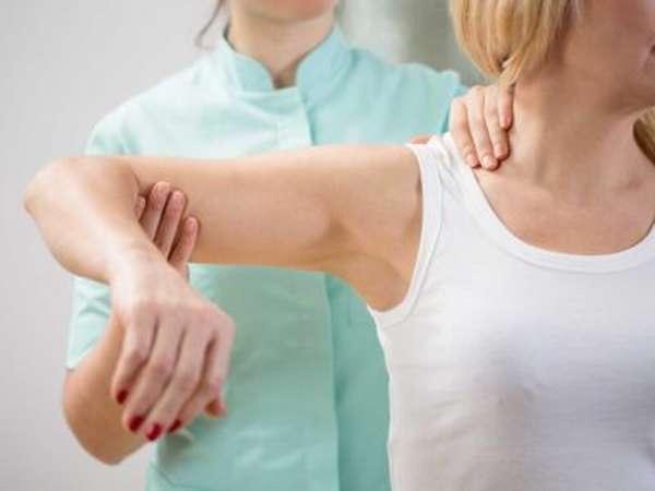 Перелом большого бугорка плечевой кости со смещением и без