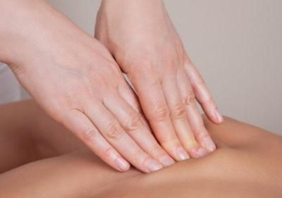 Массаж при остеохондрозе позвоночника - как делается?