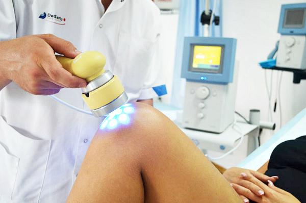 Лазеротерапия при артрозе коленного сустава помогает или нет