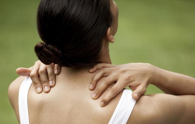 Электромассажер для шеи и плеч при остеохондрозе