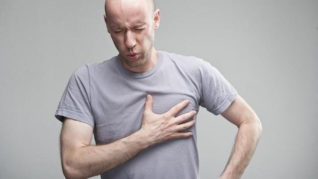 Боль в грудине при остеохондрозе позвоночника - как снять?