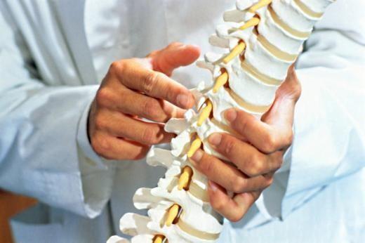 Смещение позвонков поясничного отдела - как лечить, симптомы