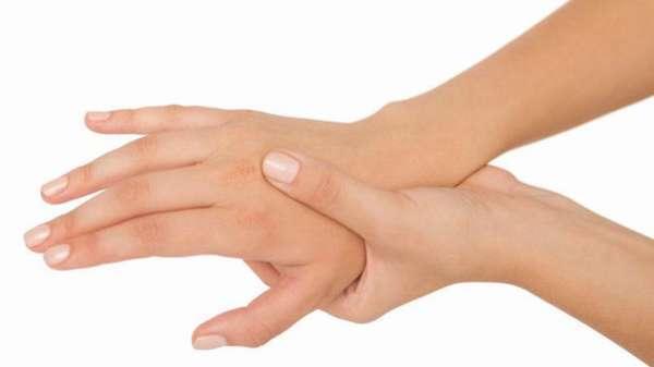 Ушиб кисти руки при ударе - лечение в домашних условиях