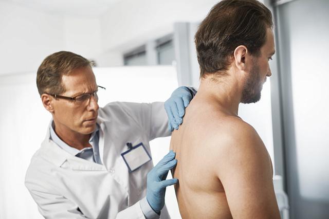 Грудной радикулит позвоночника - симптомы и лечение