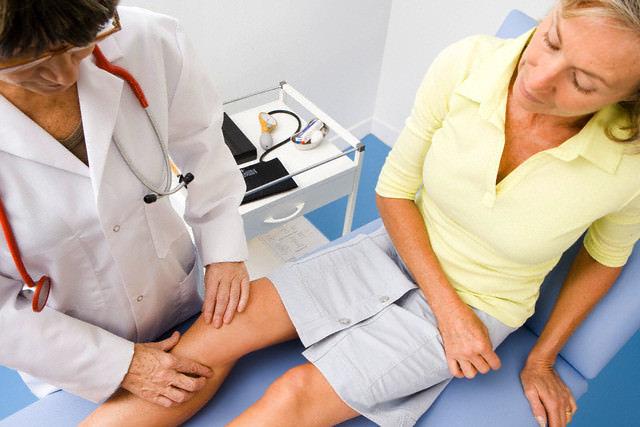 Отложение солей в коленном суставе - симптомы и лечение